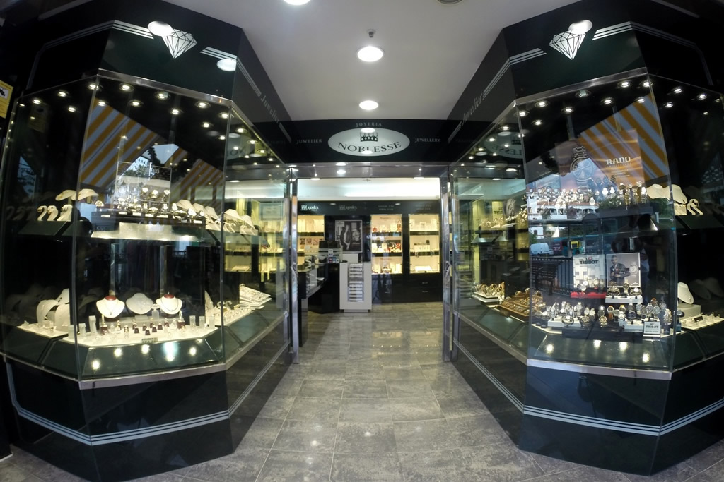 e405f1826f65 Joyería Noblesse II. Shopping Center Tropical. tienda-cc-tropical.  Ubicación  Avenida Madrid ...